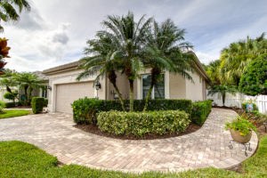 8726 49th Terrace East Bradenton FL 34211