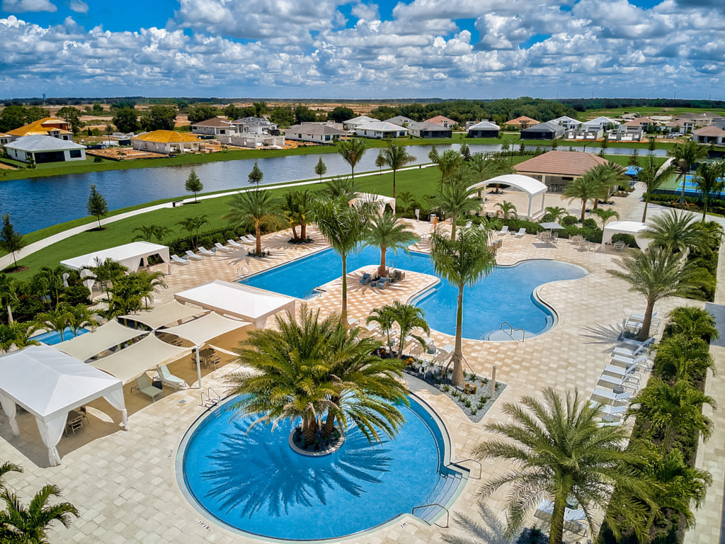 picture of cresswind lakewood ranch pool